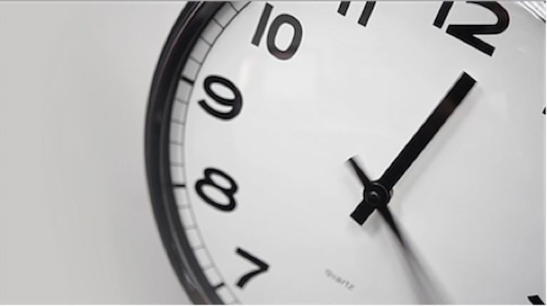 panda-clock-767-grid