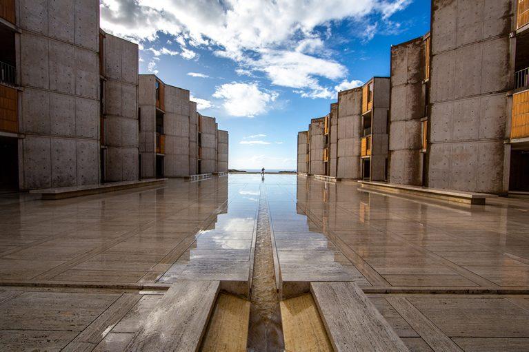 Salk-Institute-Courtyard-After-the-Rain-0X8C9025-767
