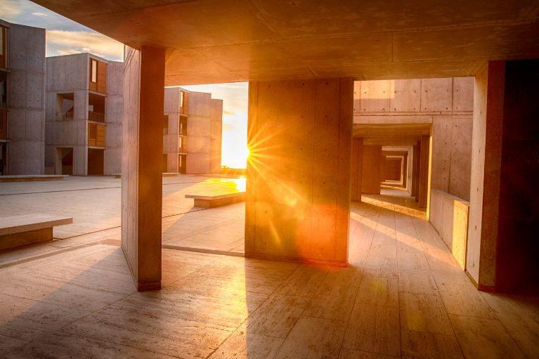 Salk-Sunset-Courtyard-Lens-Flare-0X8C8197 (1)