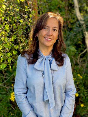 Leona Flores